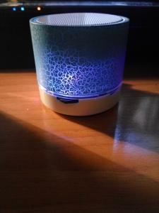 altavoz-azul-oscuro
